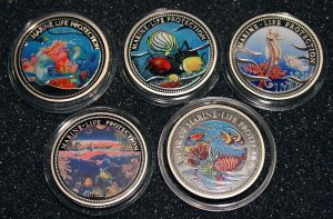Lot von 5 Palau Farbmünzen 1 Dollar - Set of 5 Palau Color Coins 1$ Marine Life Protection